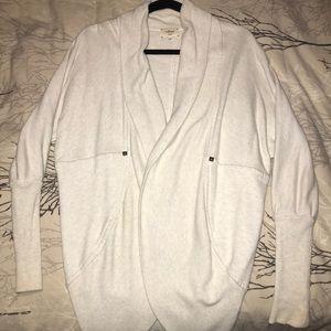 ✨WILFRED✨ Size US XS. White/Grey Cardigan
